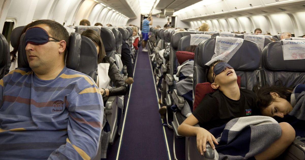 Авиапассажирам запретят меняться местами во время перелета